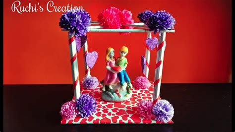 How To Make Showpiece With Paper - diy how to make showpiece at home room decoration