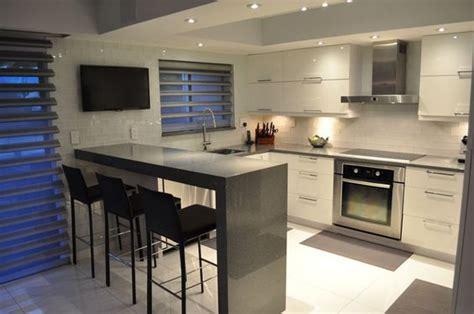 54 beautiful small kitchens design kitchens beams and stove cocinas pequenas modernas 6 decoracion de interiores