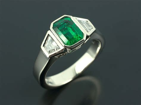 Coloured Precious Stone Rings in Sapphire, Emerald, Ruby