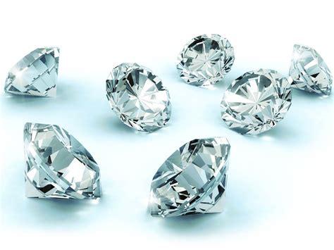 diamante grezzo testo differenza tra brillante diamante e zircone