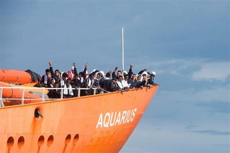 aquarius bateau msf aquarius msf spagna quot serve risposta solidale e umana da