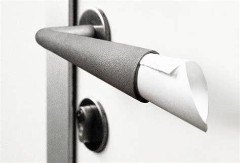 forget  shopping list    door handle