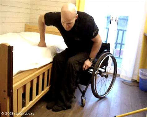 Transfer Bed To Chair by Tips Transfer From Wheelchair To Bed