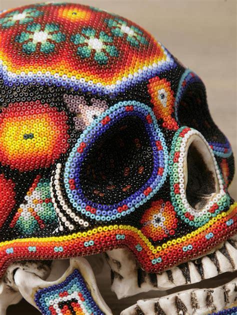 imagenes de calaveras decoradas con diamantina calavera con chaquira buscar con google d 237 a de muertos