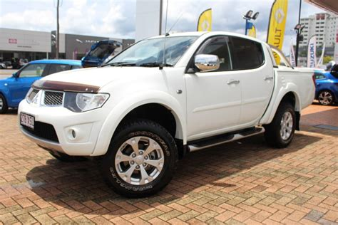 mitsubishi triton 2014 2014 mitsubishi triton glx r for sale in cairns