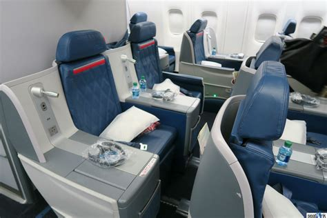 reviews on seats delta 767 300 business class seats
