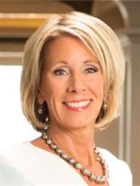 betsy devos wedding trump nominates billionaire voucher proponent to lead