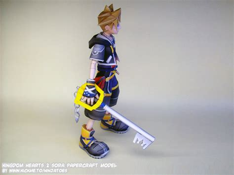 sora keyblade papercraft by ninjatoespapercraft on