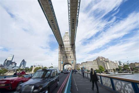 tower bridge closure drivers  cyclists braced