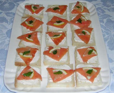 come cucinare le fette di salmone tartine al salmone affumicato leggere in cucina con zia lora