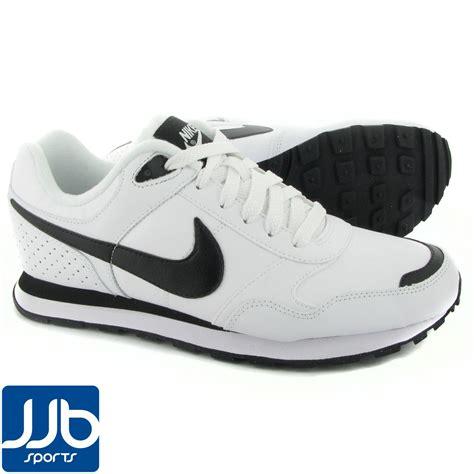 Nike Md Runner Black White nike md runner mens white black lightweight cushioned