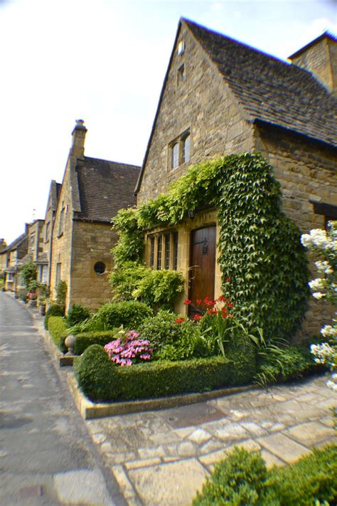 Cotswold Cottages Broadway by 25 Best Ideas About Broadway Cotswolds On