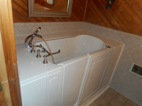 walk in bathtub installation illinois walk in tubs before and after il walk in bathtubs