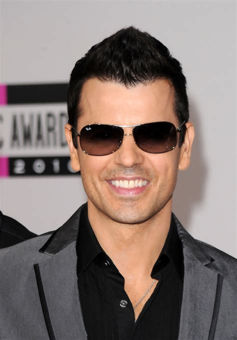 donnie wahlberg gettin a divorce nkotb gossip 2010 edition jordan knight photos photos 2010 american music awards