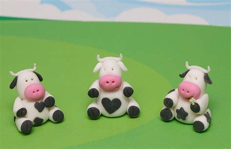 Cupcake Topper Sapi Cow fondant cow cupcake toppers tara pearson flickr