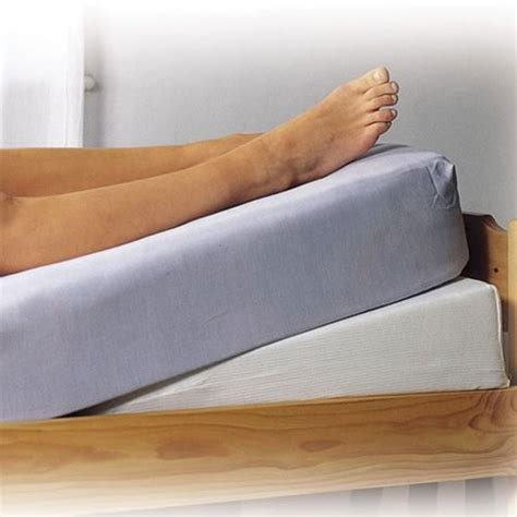 Mattress Bed Wedge by Mattress Tilter Bed Wedge Bed Wedges Complete Care Shop