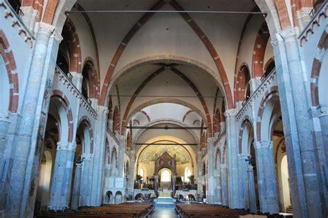 l interno della sant ambrogio a angelolarocca it