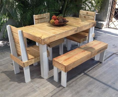Patio Furniture Out Of Pallets Outdoor Furniture Set Out Of Wood Pallet Pallet Ideas Recycled Upcycled Pallets Furniture
