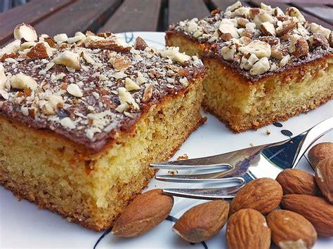 kuchen rezepte blechkuchen baileys marzipan blechkuchen rezept mit bild