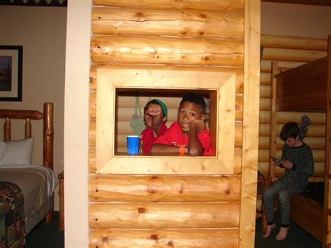 Great Wolf Lodge Cabins by Rooms With Cabins And Picture Of Great Wolf