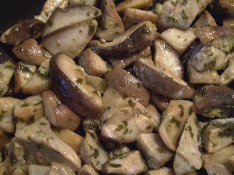 come cucinare i funghi trifolati come cucinare i funghi trifolati