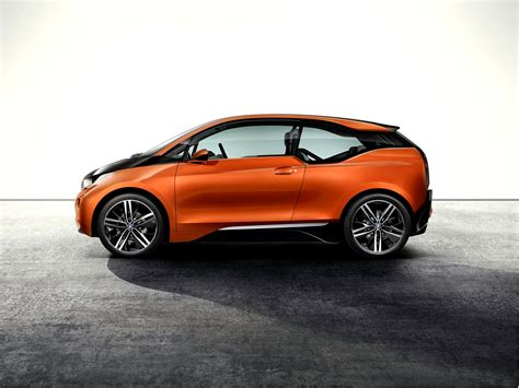 electric cars bmw bmw i3 electric car targets everything from the nissan