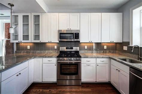 White Cabinets Kitchens White Oak Cabis Kitchens Gray Kitchen Cabinets Modern White Three Light Pendant Classic Black