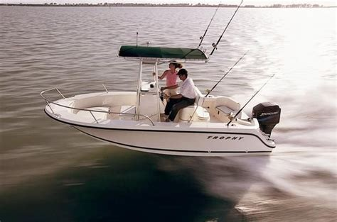 trophy boats 1903 center console 2010 bayliner 1903 trophy center console power boat for