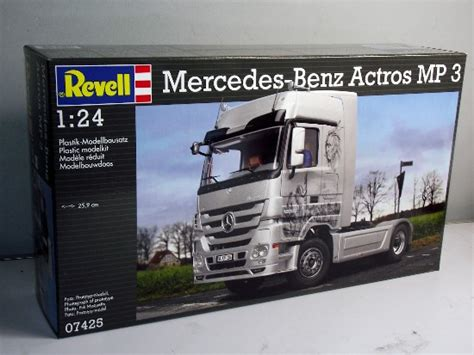 Revell 124 Mercedes Actros Mp3 1 plastic model kits uk