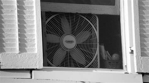 how to keep room cool keep your room cool at by facing your fan out not in lifehacker australia