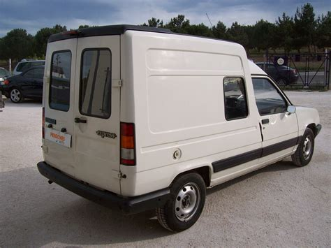 renault express picture 15 reviews news specs buy car