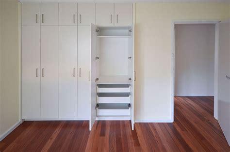 wardrobe renovation gunn building canberra bathroom