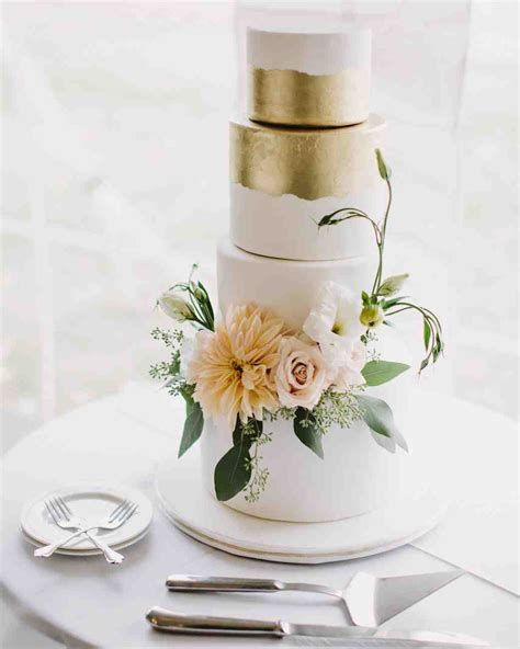 Wedding Cake Fresh Flowers by 62 Fresh Floral Wedding Cakes Martha Stewart Weddings