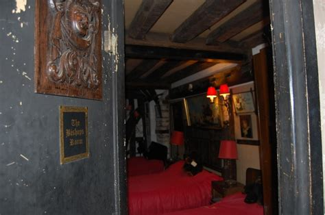 ancient ram inn ghost hunt the ancient ram inn spooky times paranormal