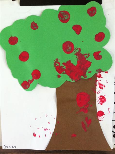 wine cork sted apple tree craft i heart crafty things 17 best images about my daycare crafts activities on