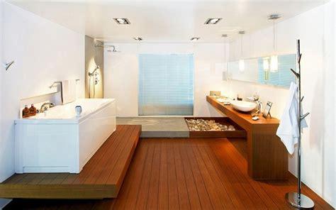 Clear Glass Bathtub Zen Bathroom Theme Bathroom Frills