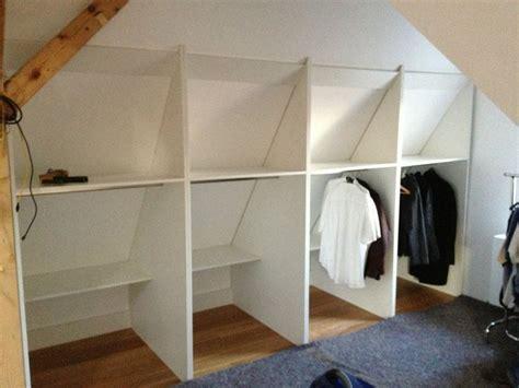 kleiderschrank umbauen die besten 25 begehbarer kleiderschrank dachschr 228 ge ideen