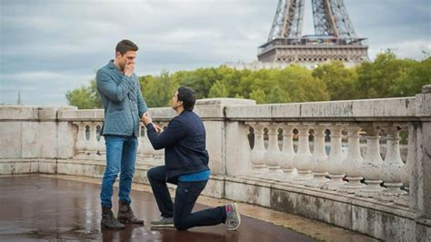 vidio film eiffel i m in love abc news gio benitez gets engaged in paris video abc news