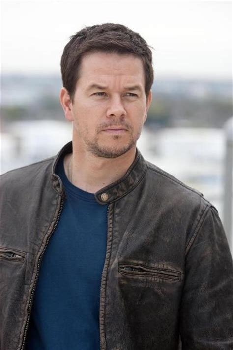 mark wahlberg actor mark wahlberg workout routine celebrity sizes
