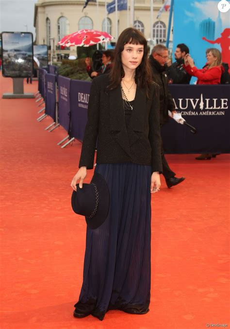 astrid berges frisbey mother astrid berges frisbey 224 la premi 232 re de mother lors du