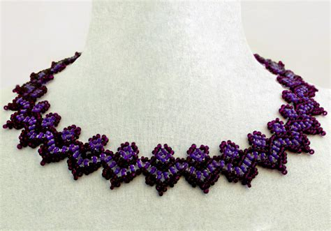 free pattern for necklace of violet magic