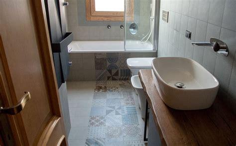 bagni piastrellati moderni 10 idee per arredare un bagno lungo e stretto idee