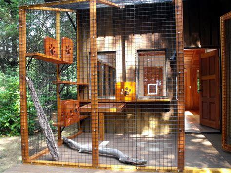Beautiful outdoor cat enclosures in Patio Contemporary