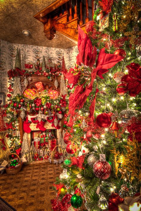 christmas decorations on stairs