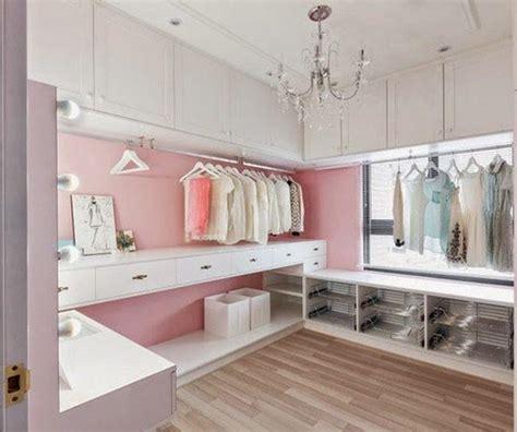vestidores de lujo menos decoracion  guardar mas cosas