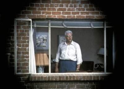 la finestra sul cortile recensione la recensione di la finestra sul cortile di alfred hitchcock