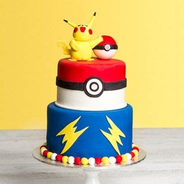 custom birthday cakes ideas  pinterest teen girl cakes april  birthdays  pink