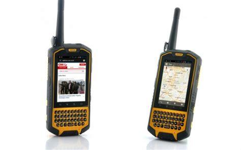Walkie Talkie Kuning runbo x3 smartphone tangguh dengan fitur walkie talkie
