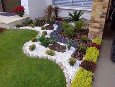 como decorar jardines frontales ideas para decorar preciosos jardines frontales con flores
