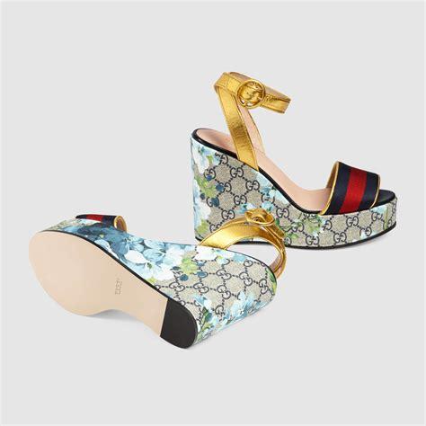 Sandal Wedges Jepit Gucci Jh87 20 lyst gucci gg blooms platform sandal in